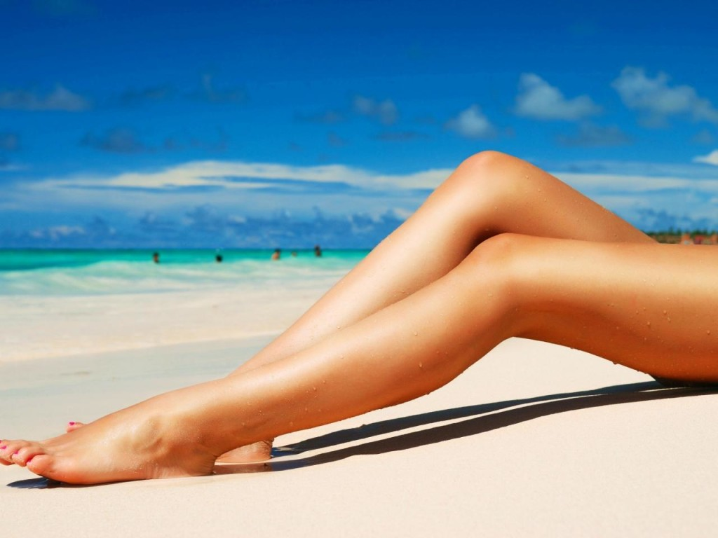 Beautiful-Legs-and-Beach-wallpaper-desktop-hd-wallpaper-1280x960-1-50641dd62ecd6-5163